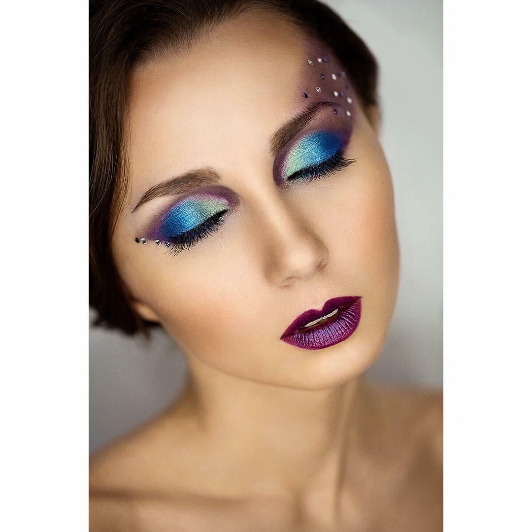 Фото макияжа глаз с накладными ресницами